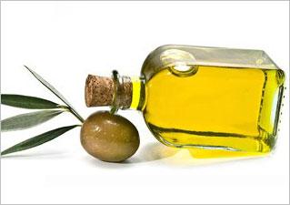 Оливковое масло – часто входит в состав увлажняющих кремов