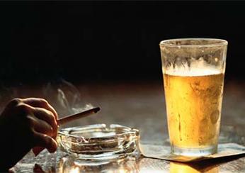 Провоцирующие факторы возникновения псориаза: курение и алкоголь